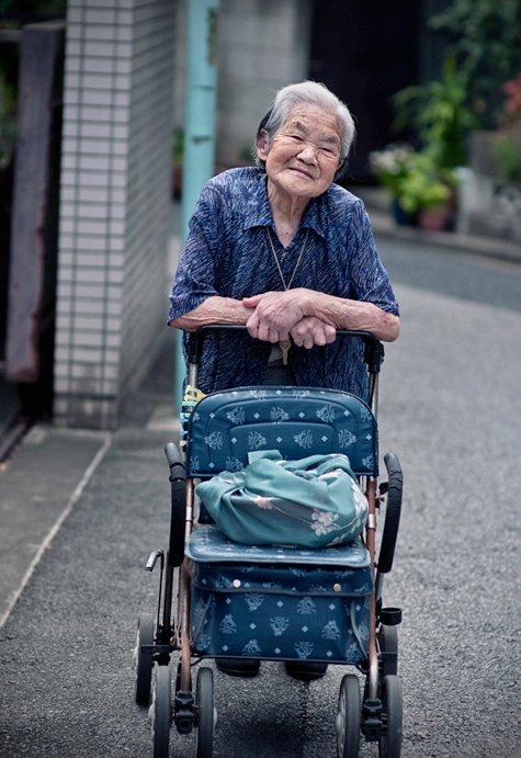 FUJI   Enabling elderly mobility through robotic support devices