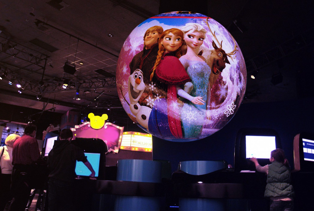 MannCG was commissioned by producer Odd shop to create visual content for the Business Meeting and Show productions presented at the annual Disney Meeting in Barcelona. Using a combination of video mapping and atmospheric projections, MannCG created content tailored to the event's fairytale concept. The visuals, projected inside the dome and placed on interactive spheres, enriched audience's brand experience by immersing them in the world of Disney.