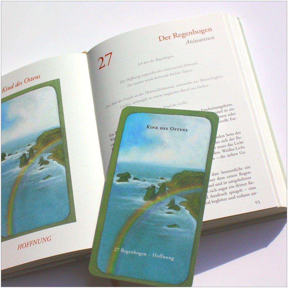 Weisheit der Vier Winde_Regenbogen_Karte vor Buch
