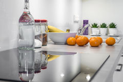 modern-kitchen-interior-design-white-38821078.jpg