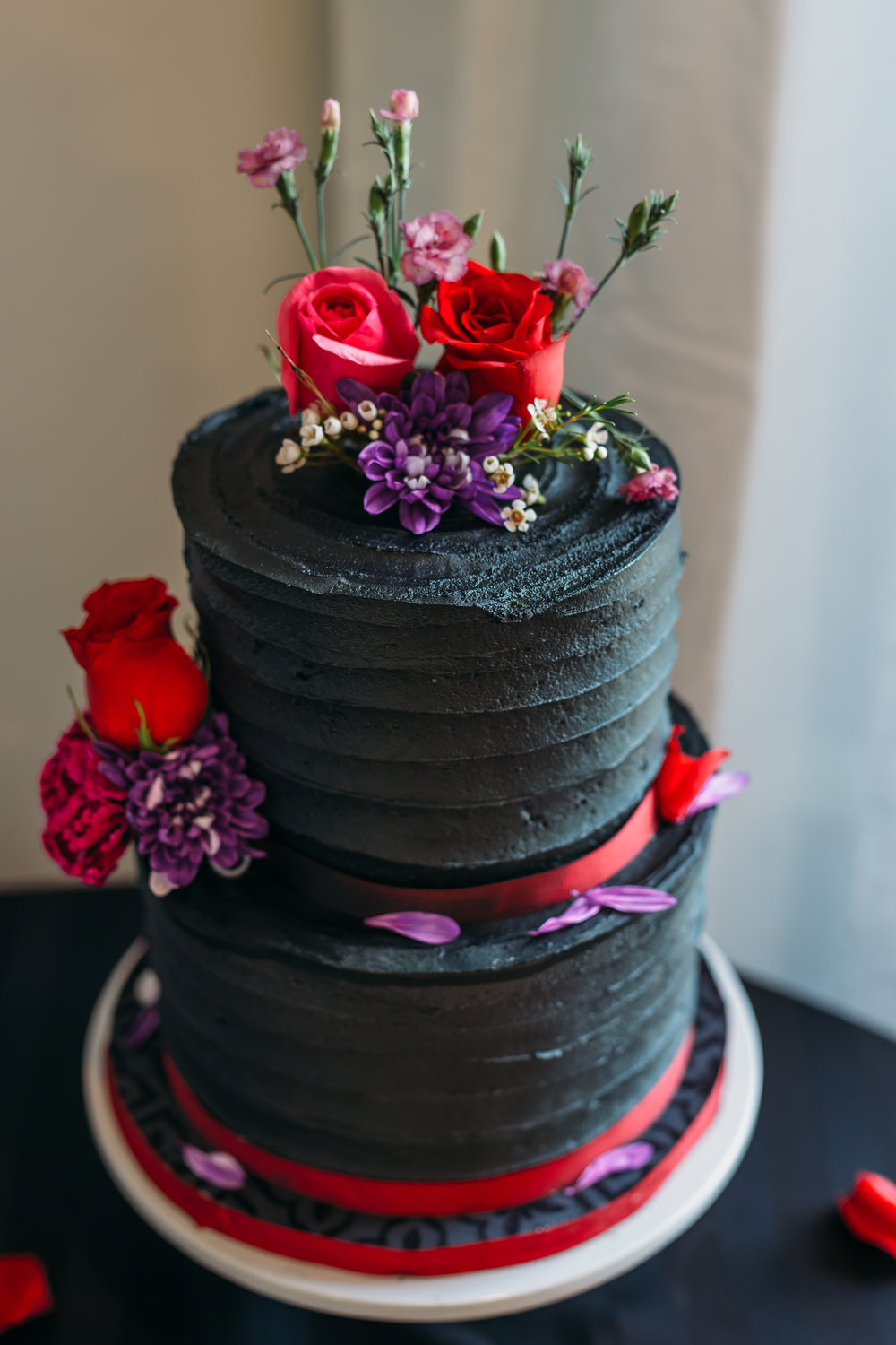 tulip baroo Halloween wedding cake