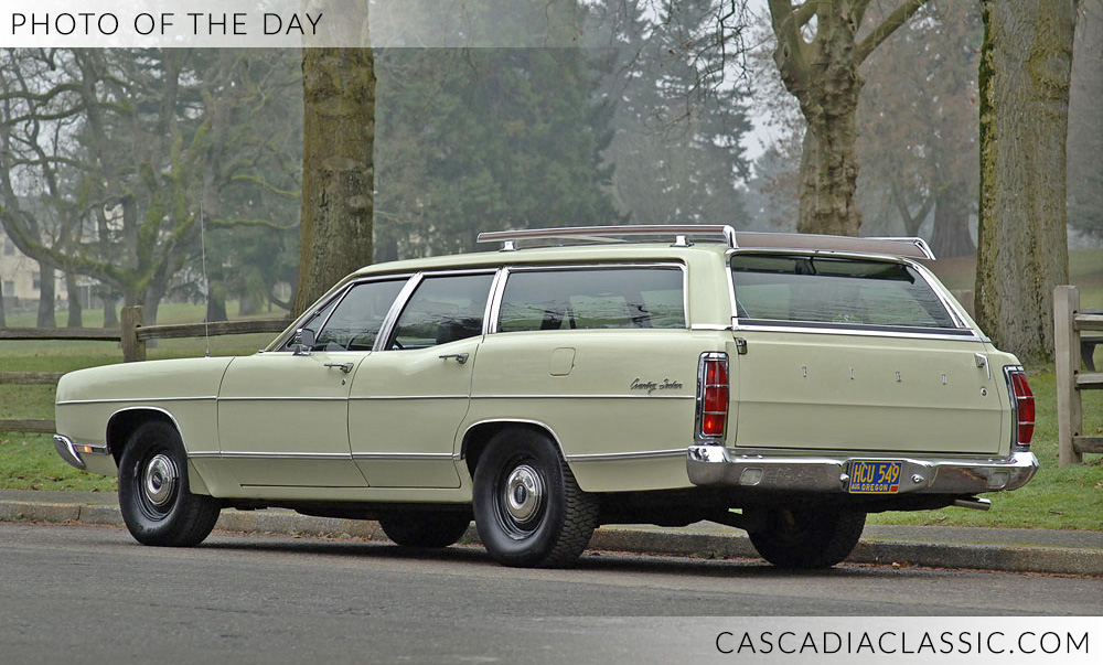 CC1969FordCountrySedan.jpg
