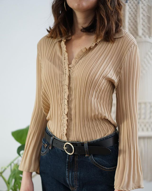 New vintage pieces online on shopmodernation.com