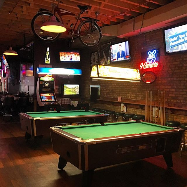 Let's play some pool🏑 WE OPEN UNTIL 4am!