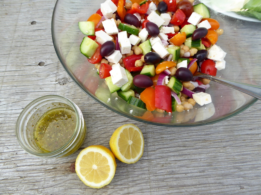 Greek salad with chickpeas 2