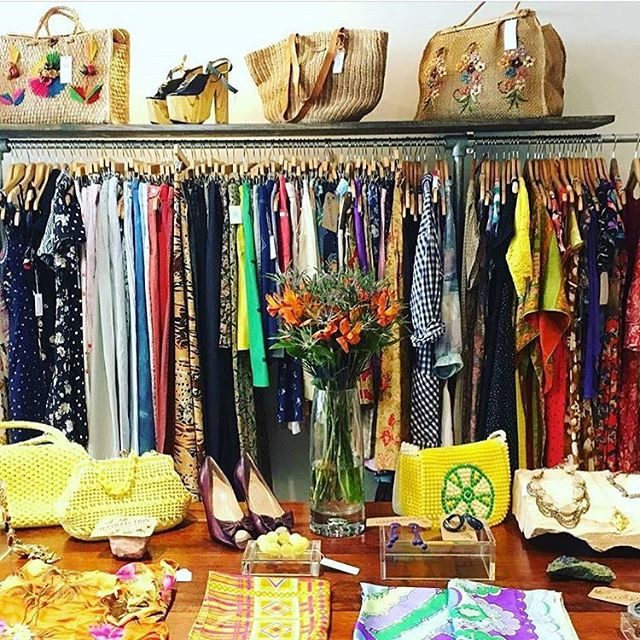 @vintagefashionpopup going strong! Come sip & shop today til 7pm and Sunday, 11-5pm!l in the @shopthetrader space 15613 Detroit, Lakewood!