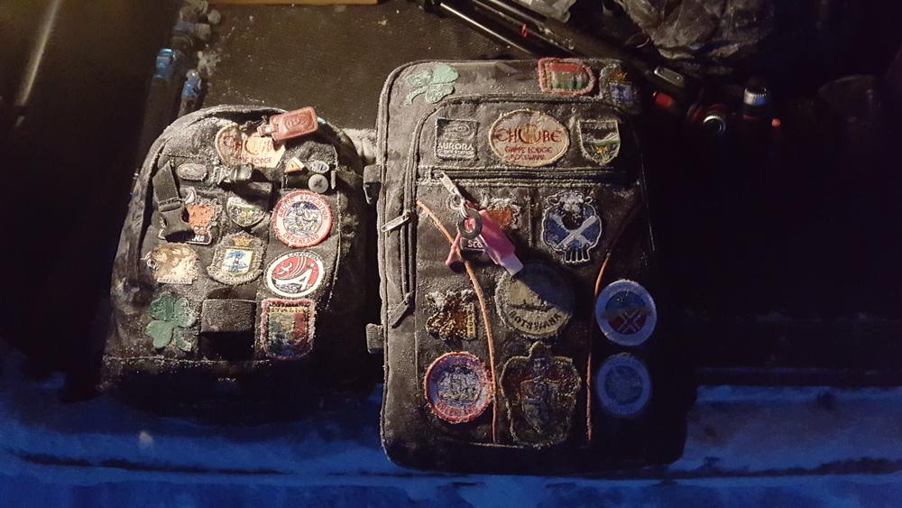 les sacs photos et drone gelés.
