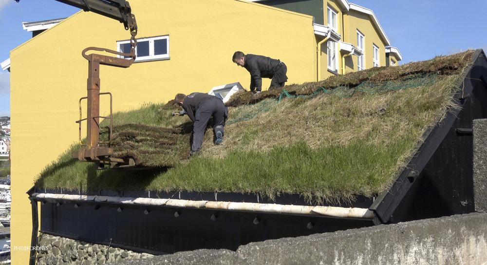 Réparation des toits.