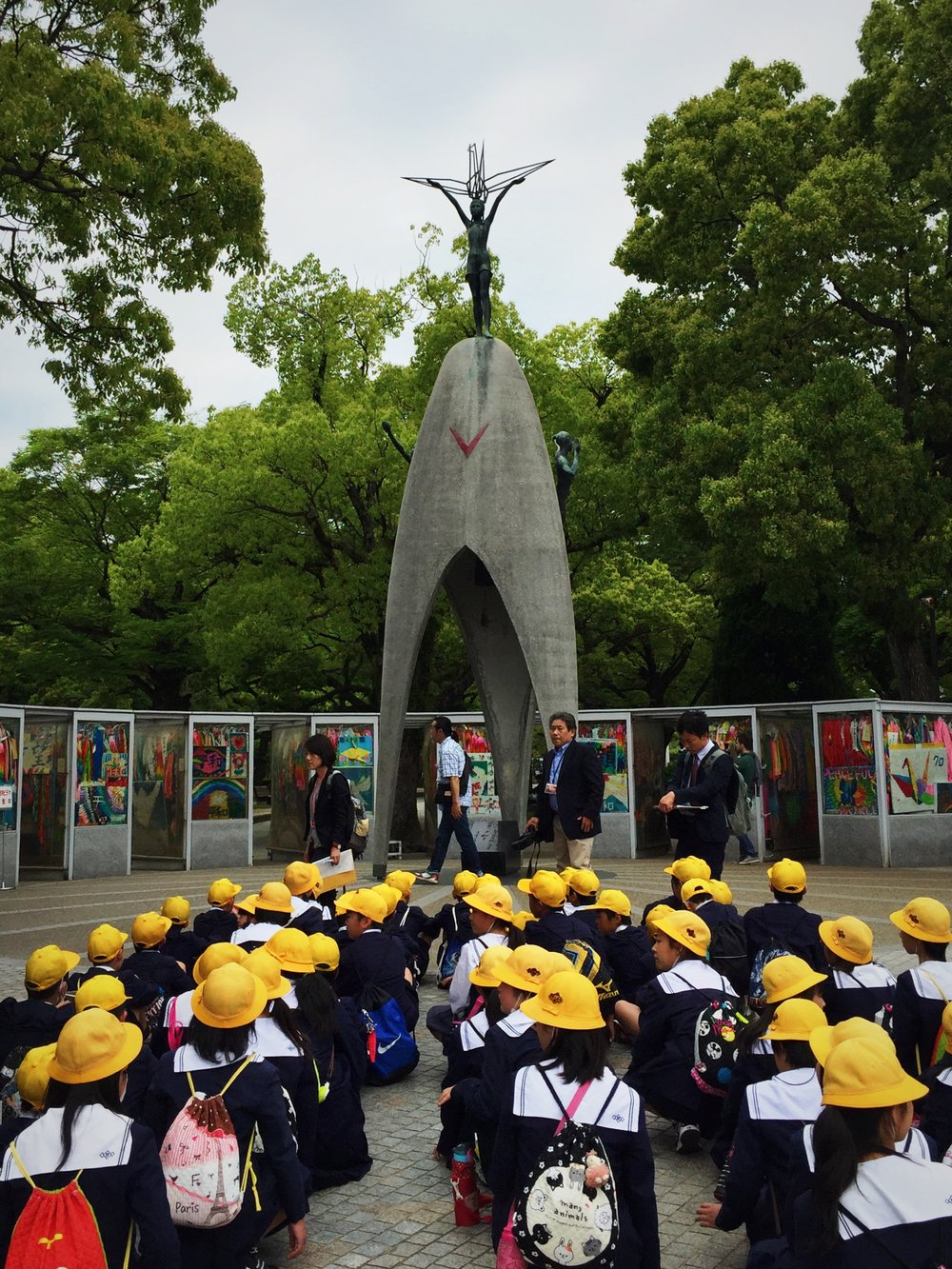 School field trip to the Hiroshima Peace Memorial Park, remembering the first-ever use of the atomic bomb and its tragic, epic impacts.