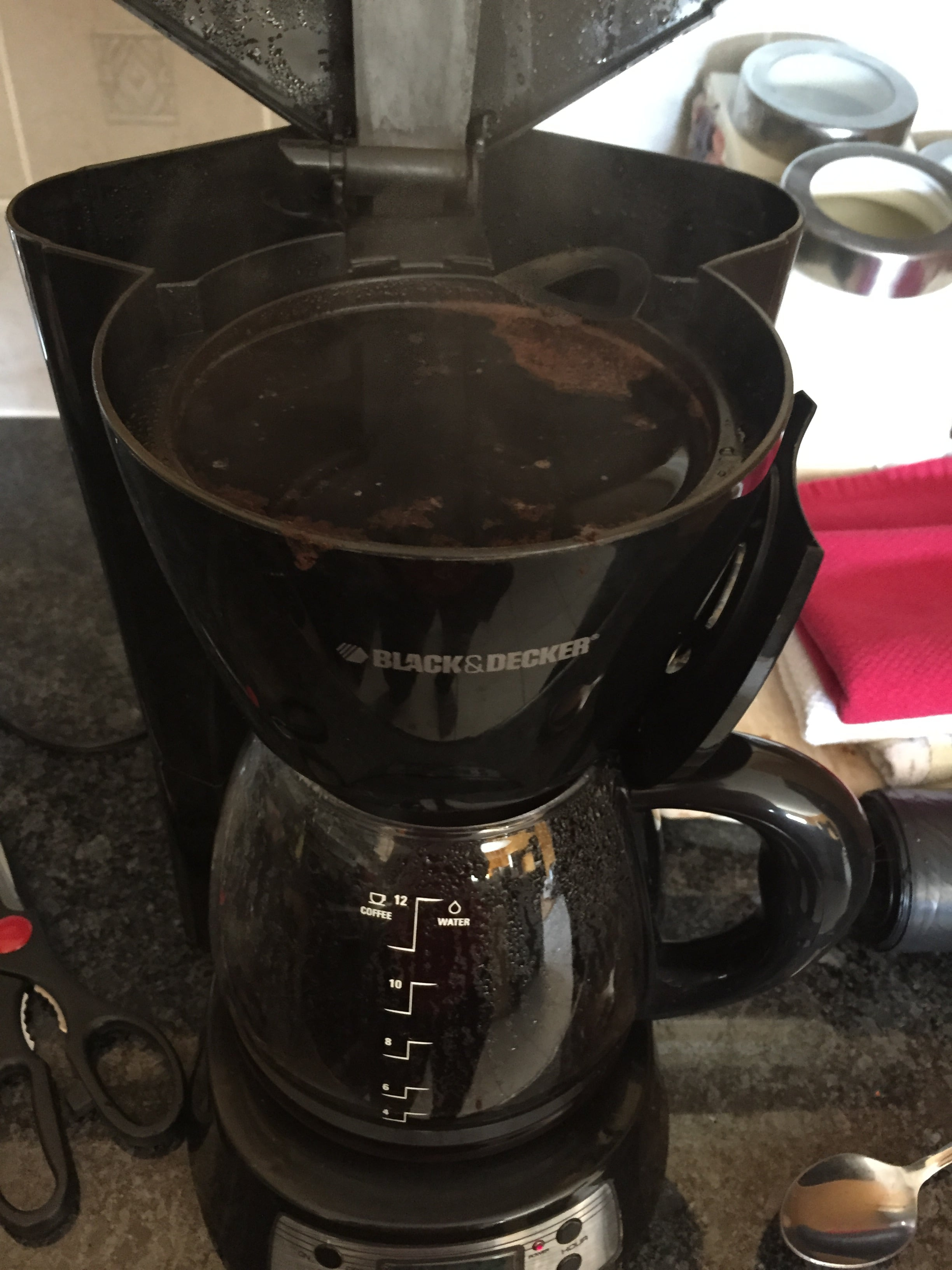 HOW DO COFFEE MAKERS WORK?!?
