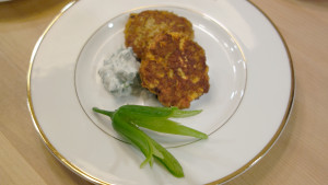 Green Curry Chicken Fritters with Yogurt Sauce