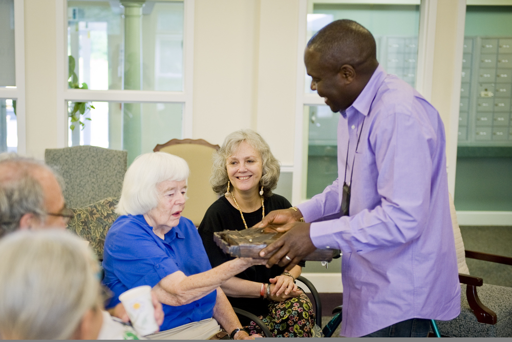 samite-works-with-seniors-music-therapy-non-profit-charity