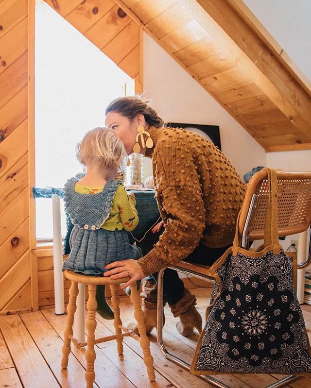 @mothermag featured our little cabin in the woods last month! See a tour and interview on their site 📷 @mymotherhoodstory #otiscabin #mishaandpuff #mishaandpuffpopcorn