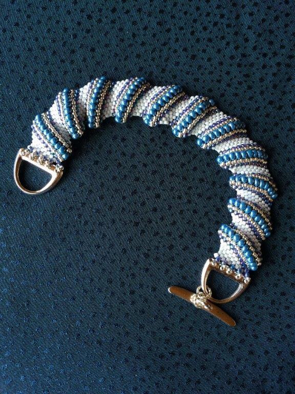 Sculpted bead bracelet