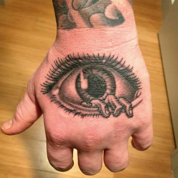 eye-fingers-horror.jpg