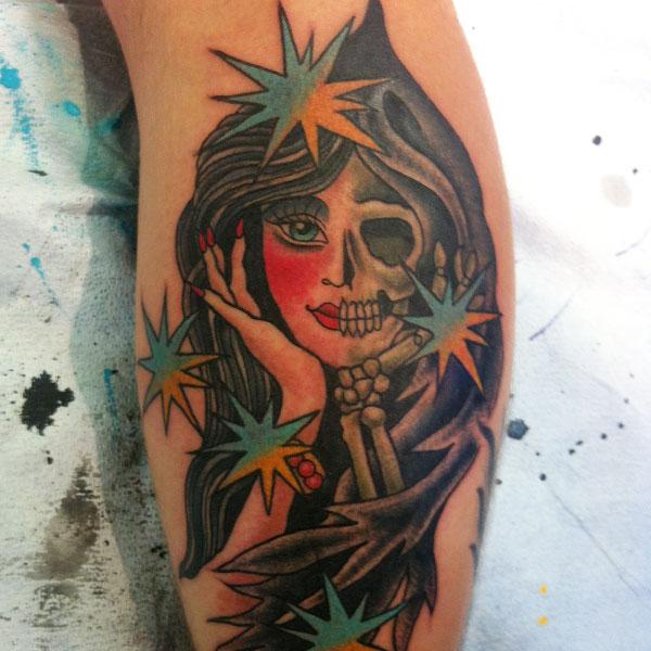 skull-arm-girl.jpg