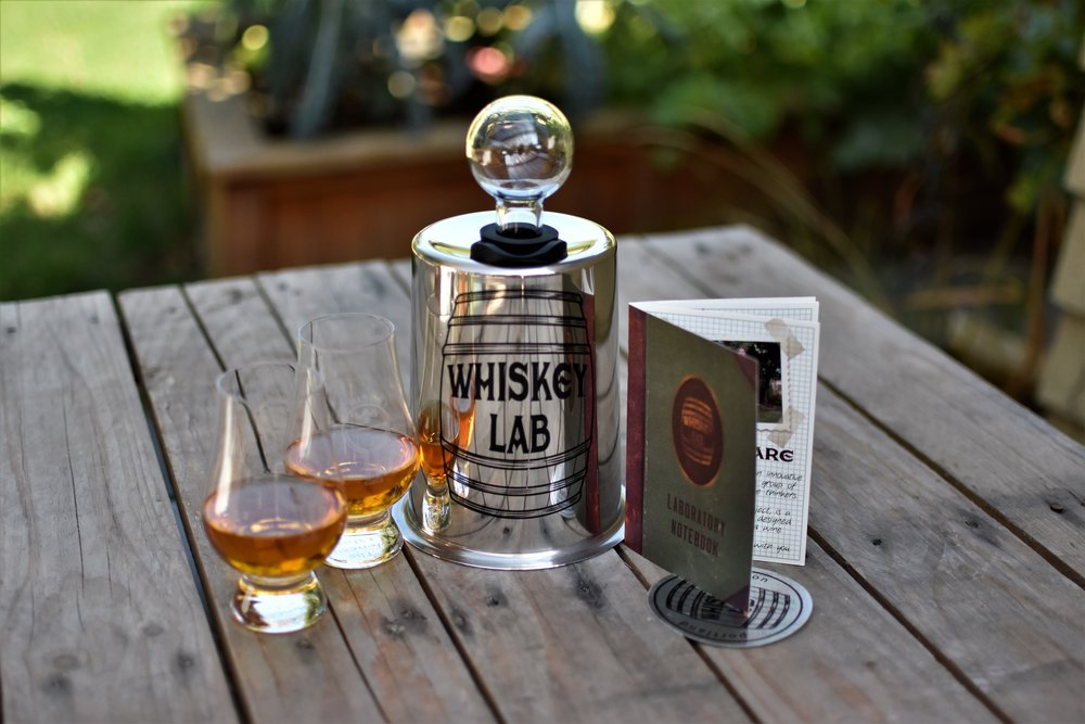 08_Whiskey Lab Gift Pack with full glasses.jpg