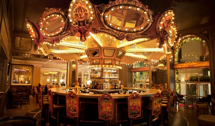 carousel-bar-lounge-new-orleans-hotel-bar-732x428.jpg