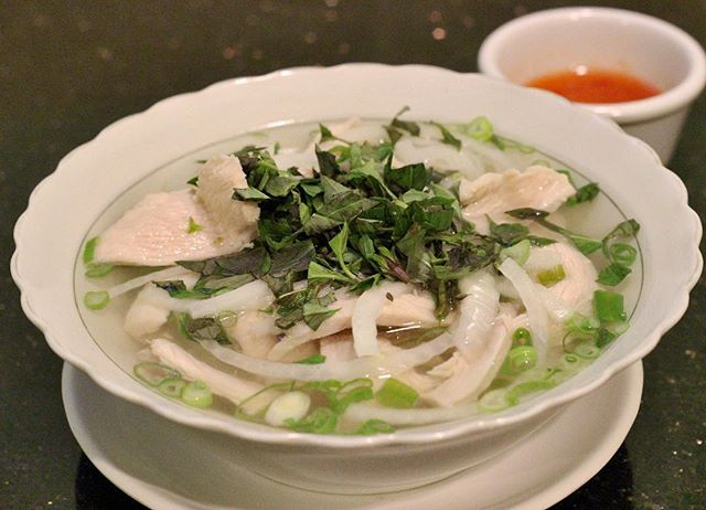 Chicken Pho Steamed white meat chicken breast served with chicken broth all made in-house. • #food  #foodporn  #foodgasm  #foodgram  #foodstagram  #fotd  #ftd  #pho  #yummypho  #vietnamese  #vietnamesefood  #rice #sandiego  #oceanside  #goodeats  #insider  #foodbeast  #infatuation  #eater  #foodblog  #blog  #eat  #eats