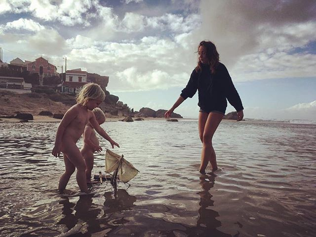 November beach days #beach #life #love #friends #home #outdoor #sky #sun #dreams #magic #magical #surf #ocean #beach #boats #children #sand