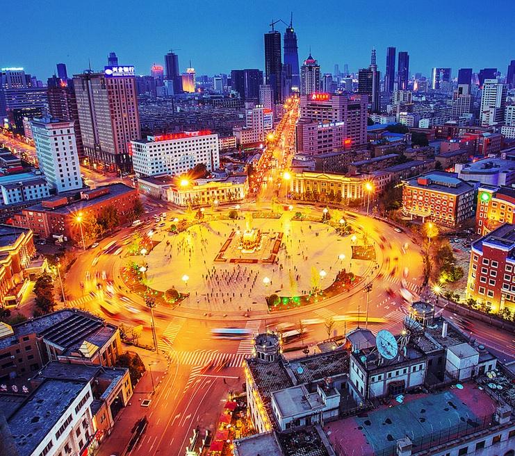Shenyang Zhongshan Square - 博文張 - via flickr