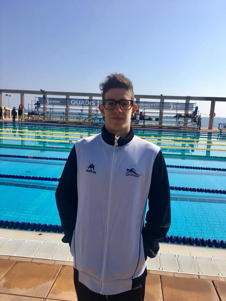 El nadador Marcos Godoy (99) @CnLasNorias consigue la 4ª posición en el Campeonato de España de Larga Distancia (p. 50)en la prueba de 5 k con una Mejor Marca Personal de 56:17,21. Con dicha marca nada por debajo de la mínima exigida para el Europeo de Aguas Abiertas.