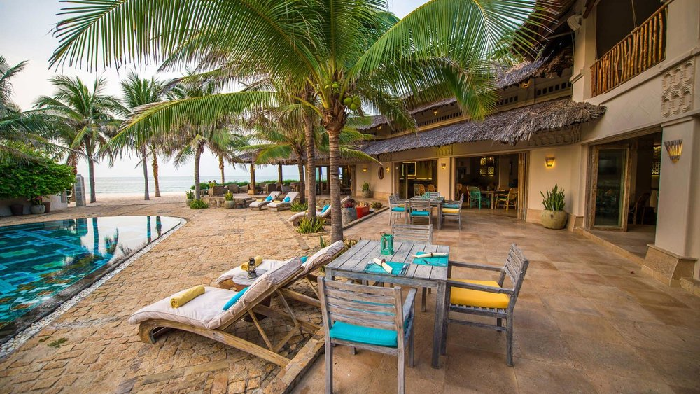 mia-resort-mui-ne-poolside-lounge-and-dining.jpg