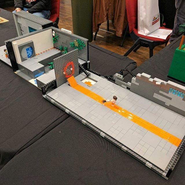 I love these little #Portal scenes, now with speed gel! #sydneybrickshow #lego #afol #brick #bricknetwork #bricktease #toyphoto #minifig #toy #legophoto #bricks #legos