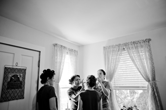 wedding-prep-bridesmaids