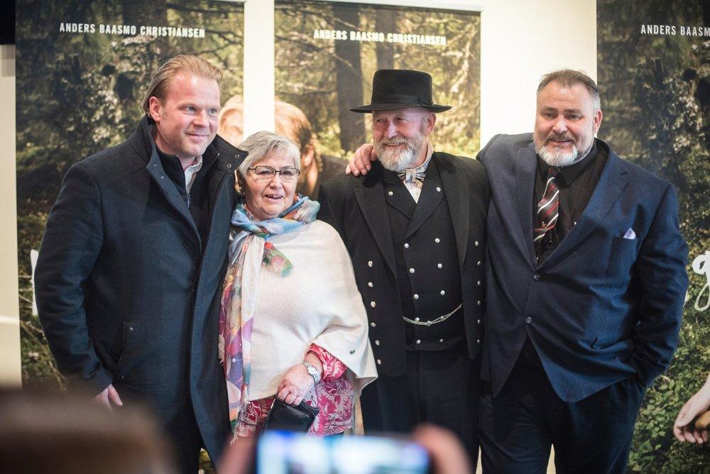 Anders Baasmo Christiansen, Inger Grethe Syversen, Bjarne Syversen og Terje Syversen på premieren av HOGGEREN