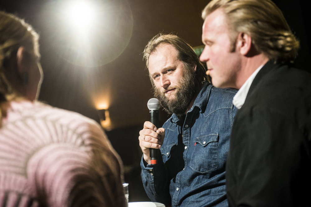 Jorunn Myklebust Syversen, Stein Torleif Bjella og Anders Baasmo Christiansen på Gimle 28. mars.