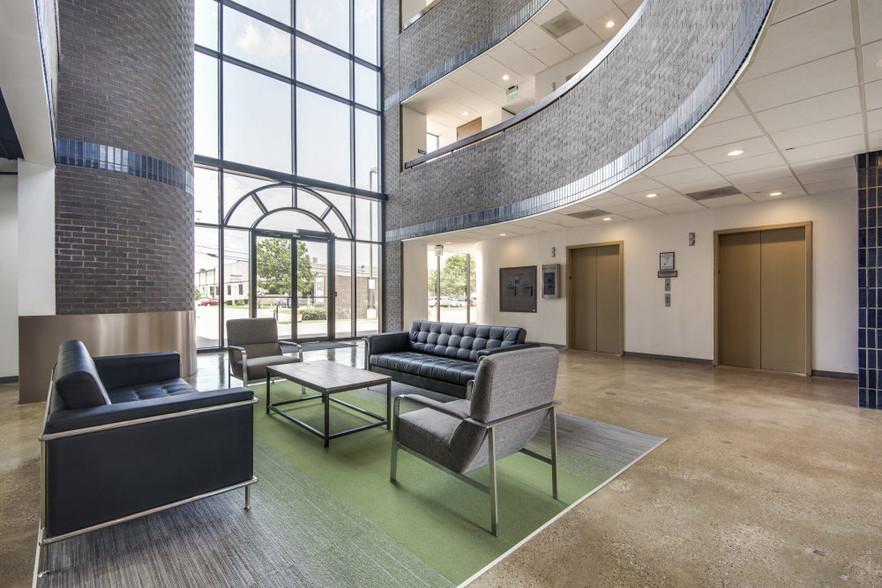Northbrook Atrium3.jpg