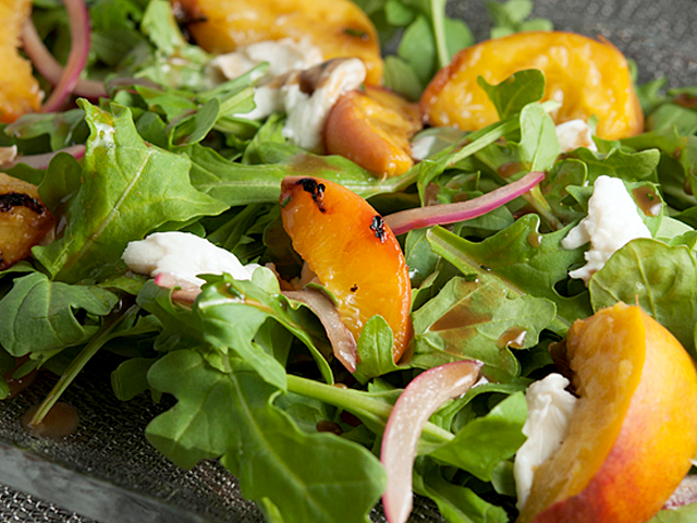 grilled-peach-and-arugula-salad.png