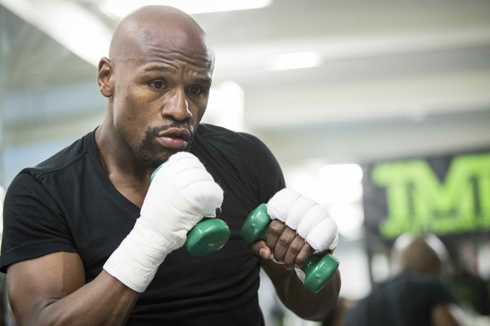 TRAINING SESSION WITH FLOYD MAYWEATHER JR..jpg
