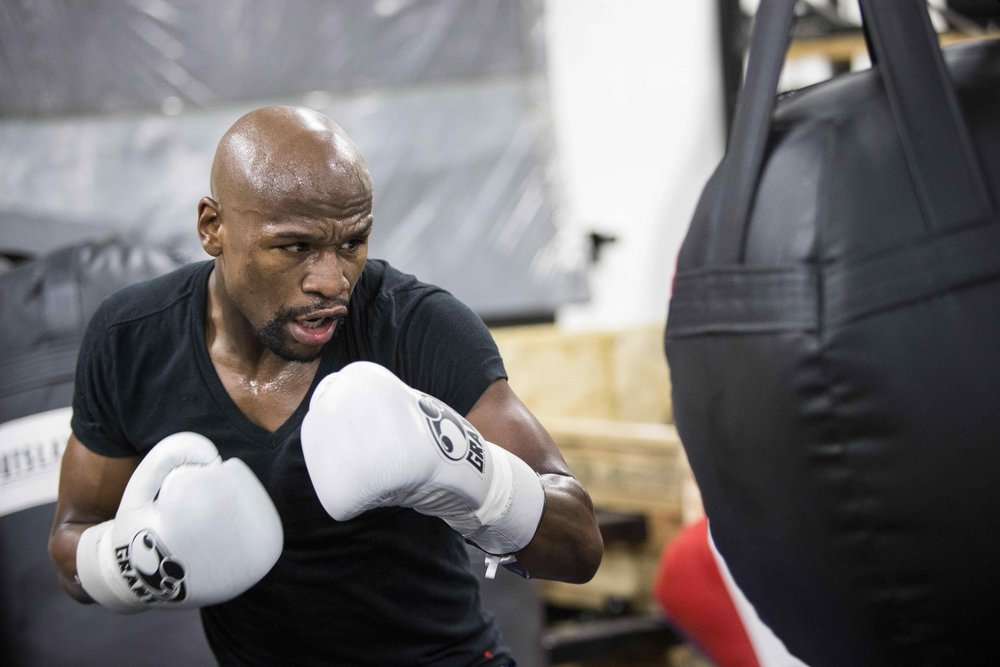 TRAINING SESSION WITH FLOYD MAYWEATHER JR.jpg