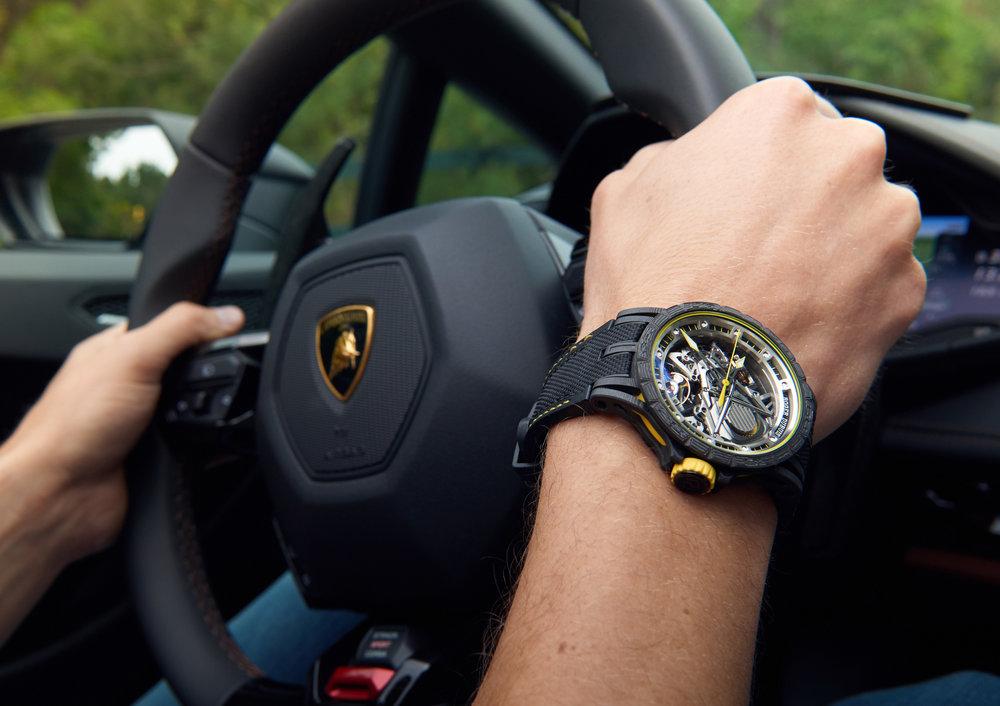 Excalibur Aventador S Wristshot_1593258.jpg