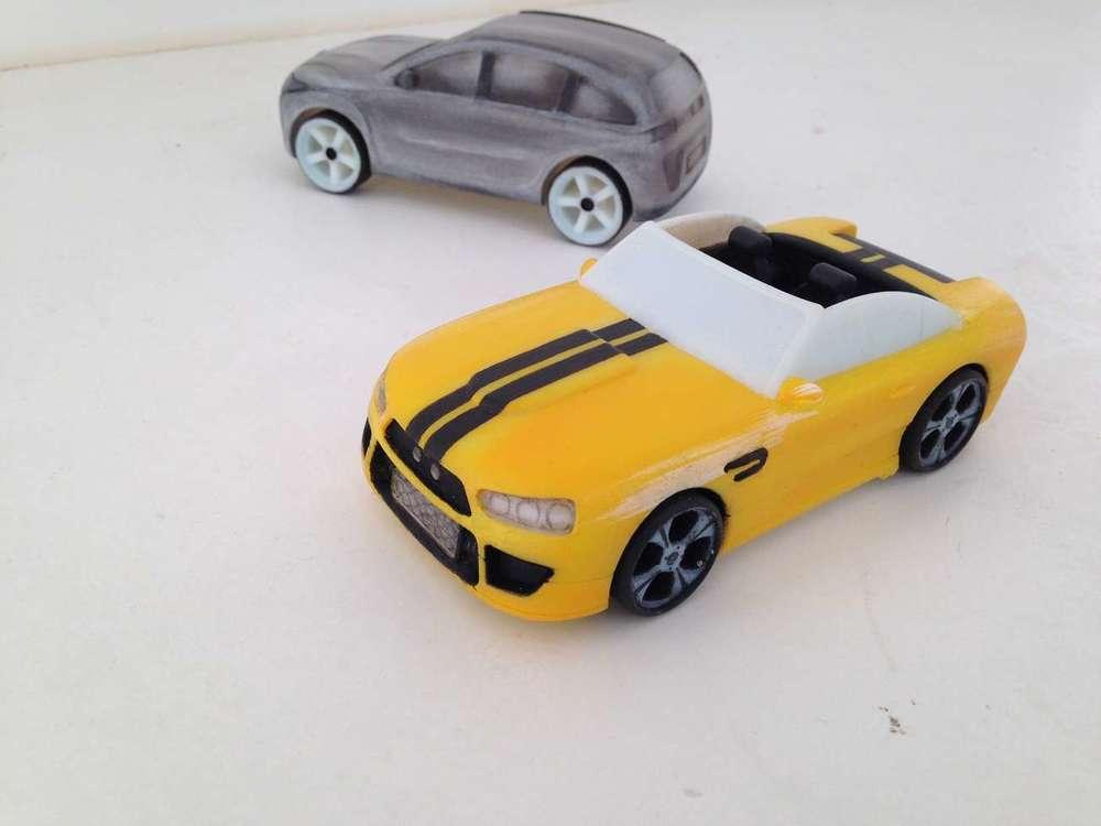voiture-course-bmw-resine-3d-roues-jouet-enfants-concours-dessin-art-restauration-restaurarte.jpg