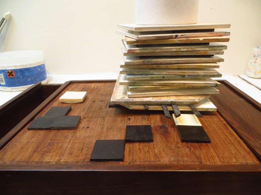 restauration-art-ancien-restaurarte -damier-ebene-ivoire-table-echiquier-echecs.jpg
