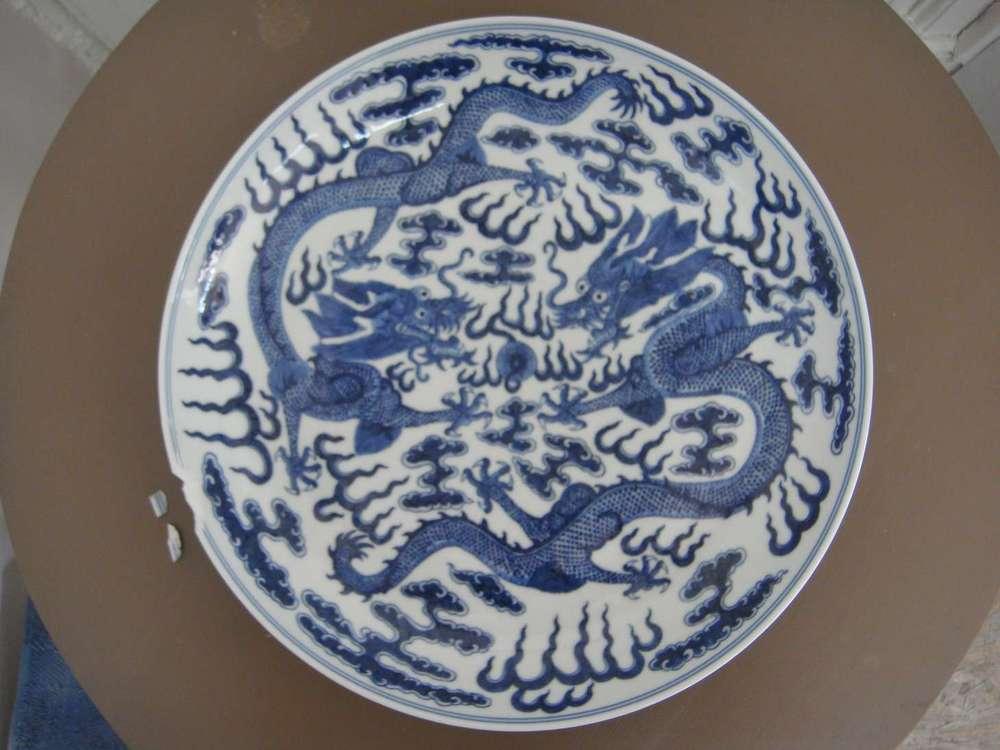 guillaume-pepy-directeur-sncf-art-porcelaine-chinoise-asiatique-blanc-bleu-restauration-restaurarte.jpg