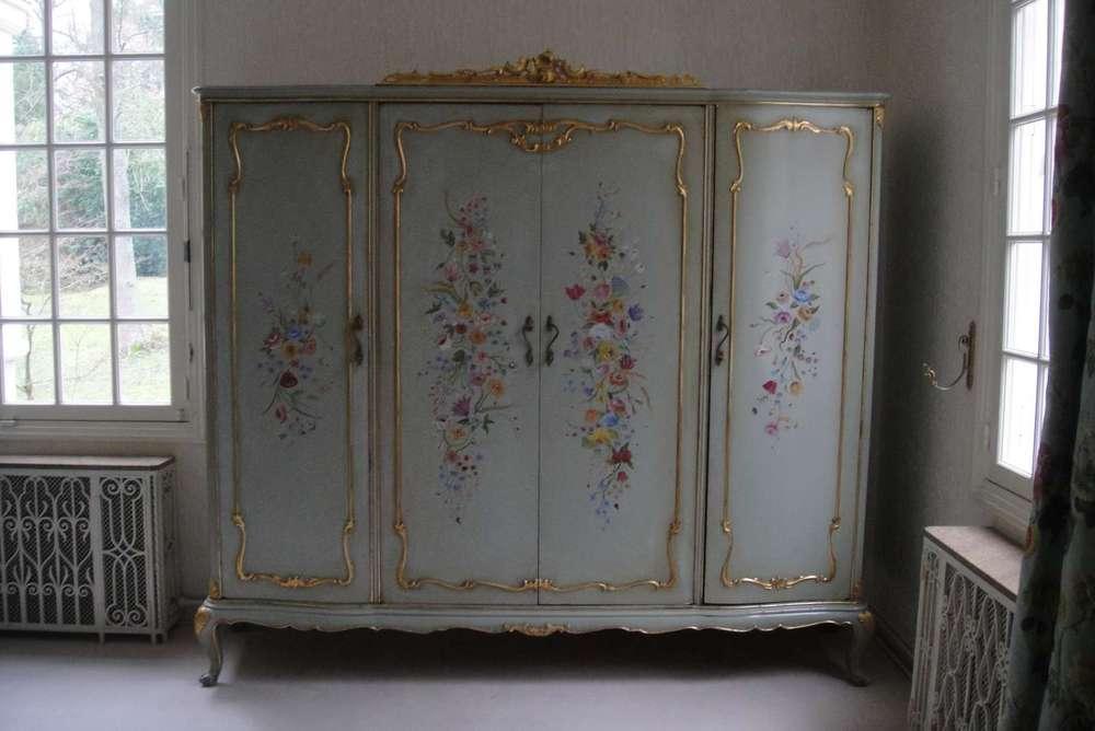 restauration-art-ancien-restaurarte decoration-bois-armoire-chambre-particulier-fleurs-decor.jpg