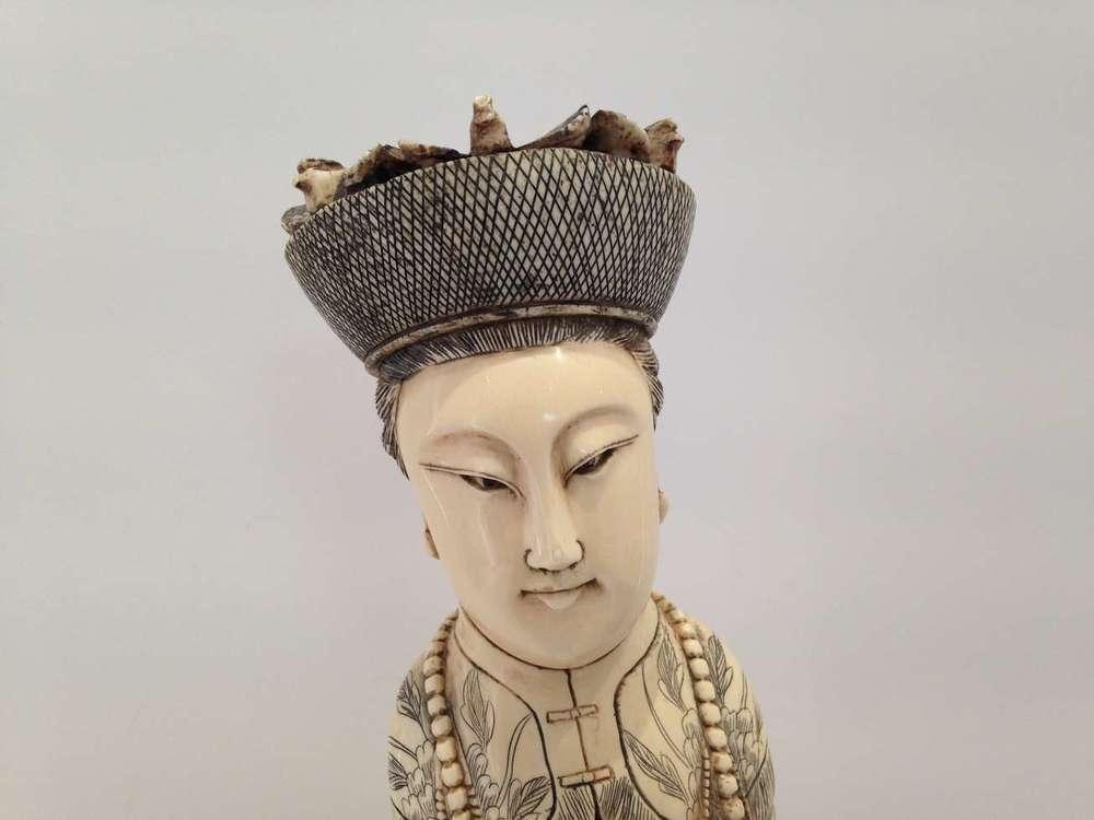 ivoire-sculpture-defense-chine-chapeau-resine-art-restaurarte.jpg