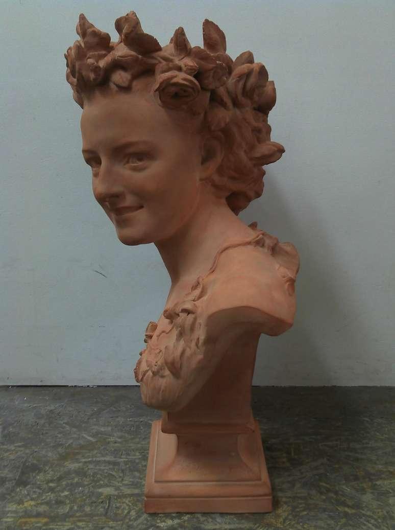 carpeaux-terre-cuite-art-ancien-buste-femme-fleurs-restauration-patine-restaurarte.jpg