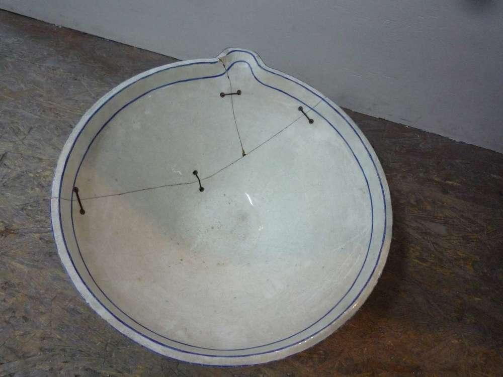 porcelaine-chantilly-bassine-blanche-cuisine-restauration-ateliers-restaurarte-art-invisible-comblement-ceramique.jpg