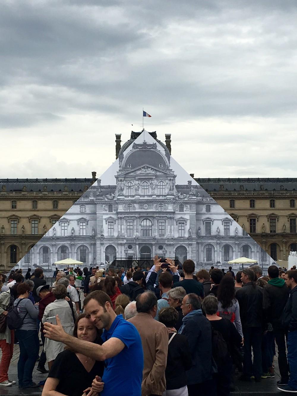 jr-artiste-contemporain-art-photo-restaurarte-galerie-perrotin-paris-le-havre-decade-louvre-restauration-pyramide.jpg