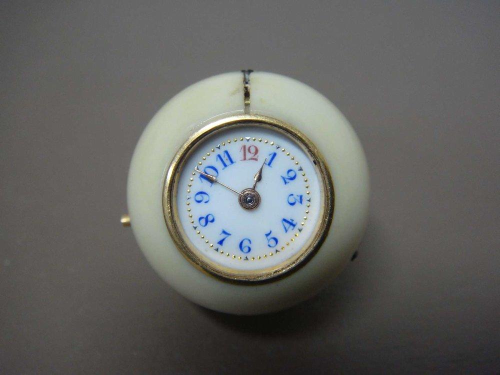 boule-geneve-montre-luxe-ivoire-horlogerie-cabinotier-art-restauration-restaurarte.jpg