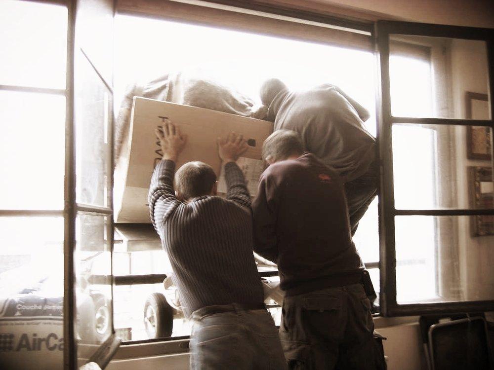 Transport d'un vase monumental Ministère de l'Écologie