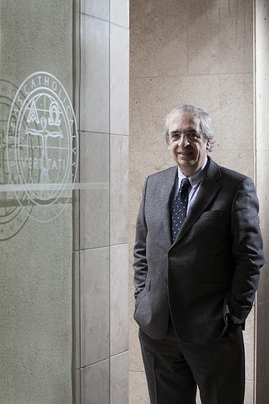 Prof Dr Castro Caldas 5896.jpg