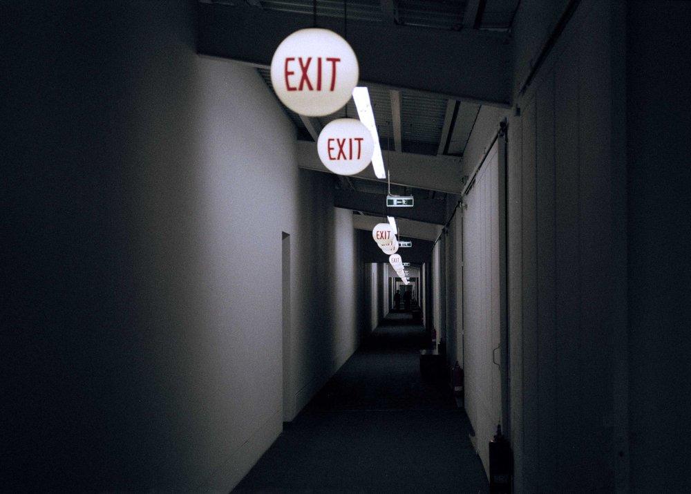 Sortie-Exit-Ausgang_Berlin_2011.jpg