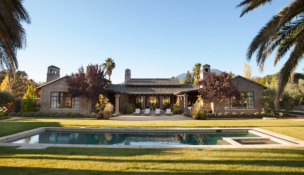 Calistoga_traditional_spanish_hacienda_pool.jpg