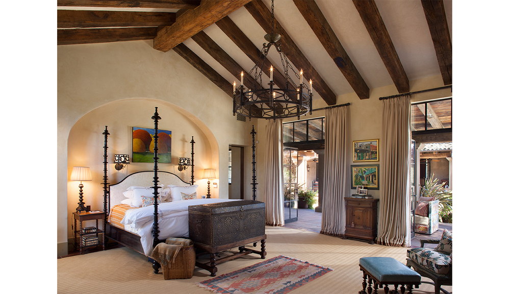 Calistoga_traditional_bedroom.jpg